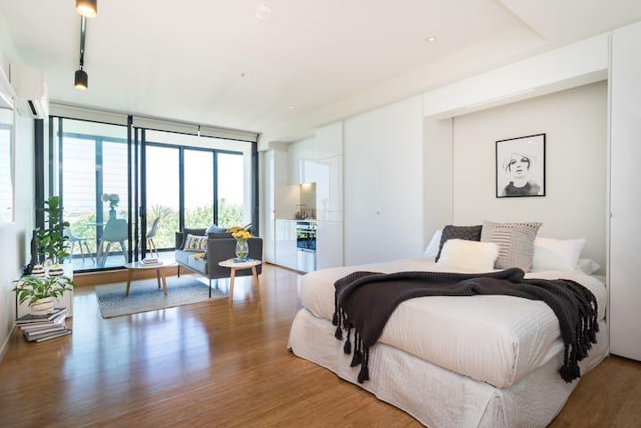 Ocean View Apartment!