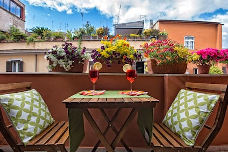 NEW -- Sunny Studio in Rome's historic center - Rome - Appartement