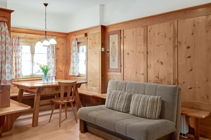 """Holiday Apartment """"Rafaser - Apartment Rustika"""" with Mountain View, Wi-Fi, Balcony & Garden; Pets Allowed"""