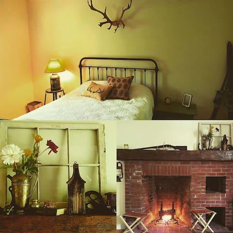 Luxury Camping-Cozy Adirondack Cabin