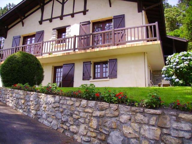 Appartement T2 dans villa en rez-jardin, expo sud - Soorts-Hossegor