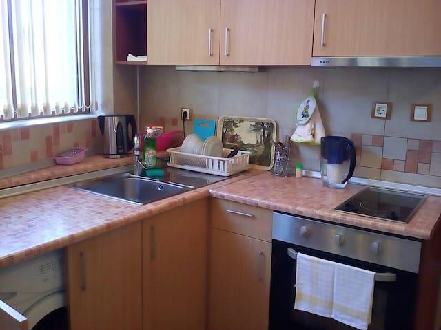 Не жаркая квартира в доме у моря - Chernomorets - Apartment