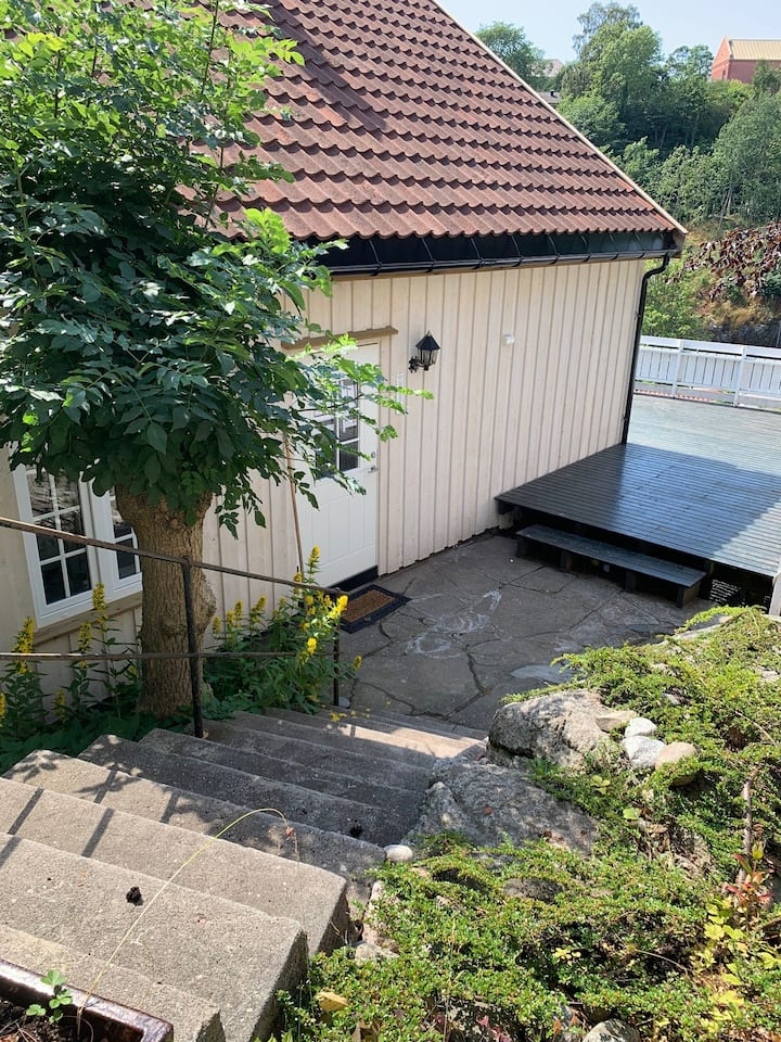 Flott nyoppusset feriehus midt i Arendal sentrum