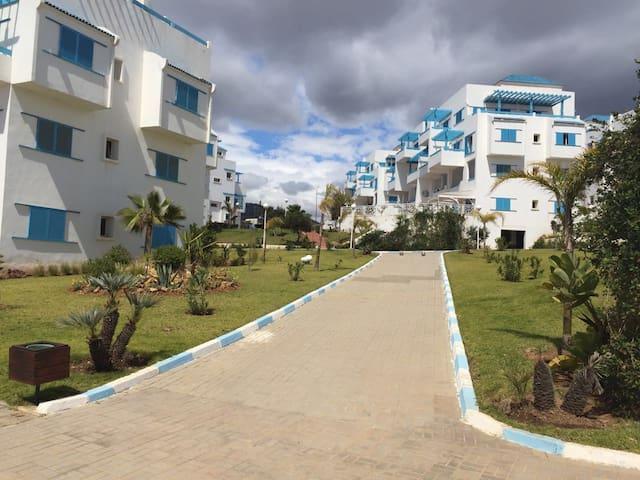 appartement standing vue sur piscine  à smir park - M'diq - Huoneisto