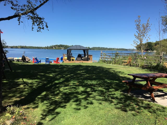 Waterfront Cottage-Rice Lake sleeps 8-fun for kids