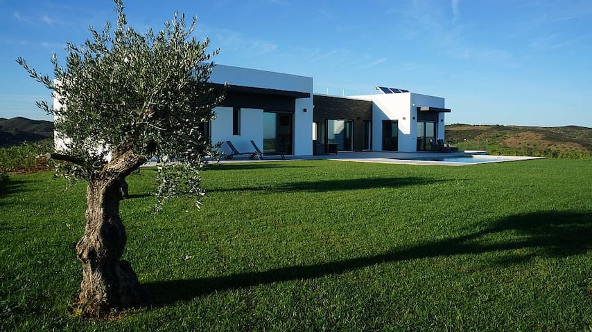 Stunning 4Bed Luxury Villa & Pool - Faro - Dom