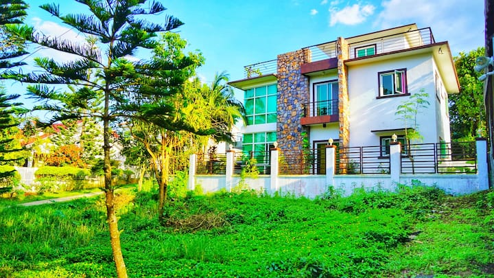 MELIA'S FAMILY HOUSE | Nature Home in TAGAYTAY
