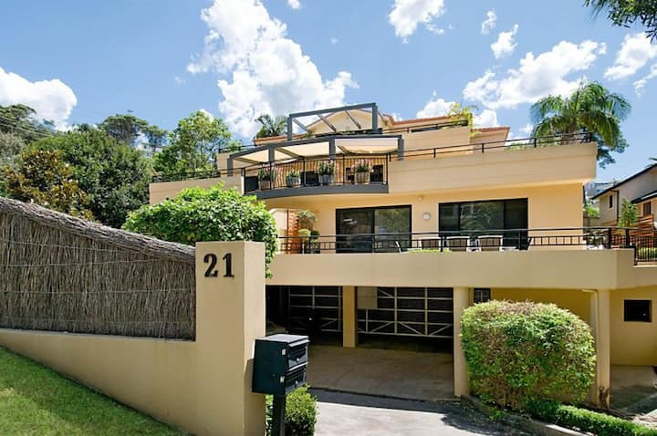 Terrigal Townhouse - 1/21 Campbell Crescent