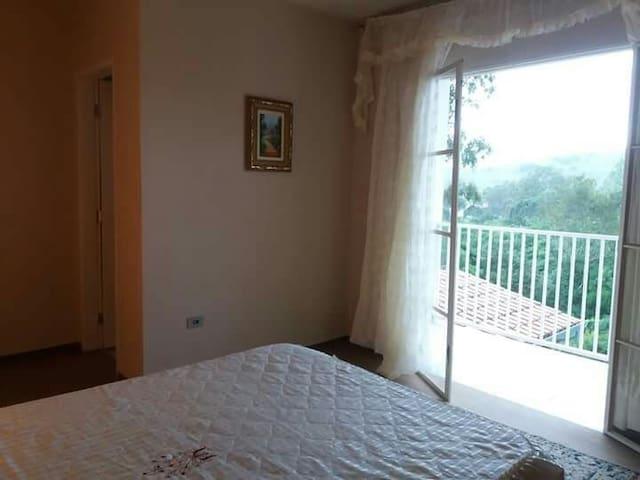 Suite com vista linda em Caldas/MG