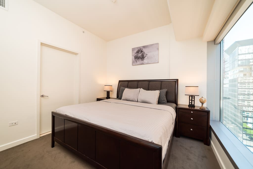 Master room king size bed
