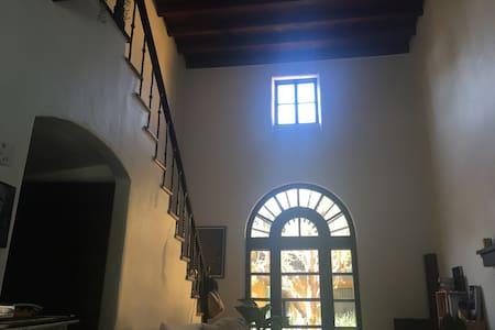Bohemian Spanish Casa in Los Feliz - Los Angeles