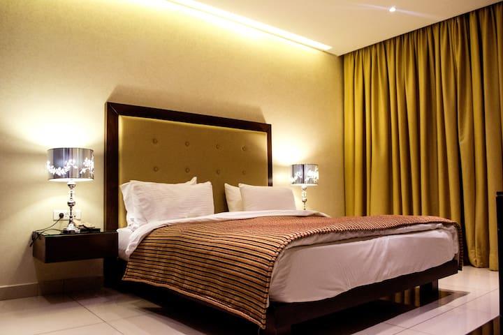 2Bedroom Suite facing ABCMall,Verdun 730& Dunes-P2