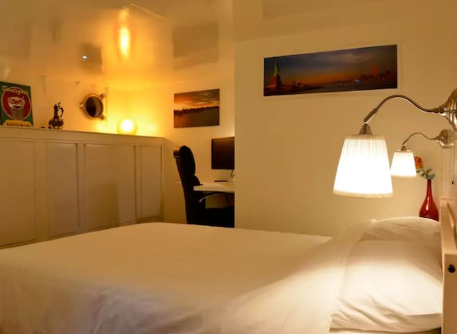 Sealiberty Bed & Breakfast - Arnhem - Room - Arnhem - Bed & Breakfast