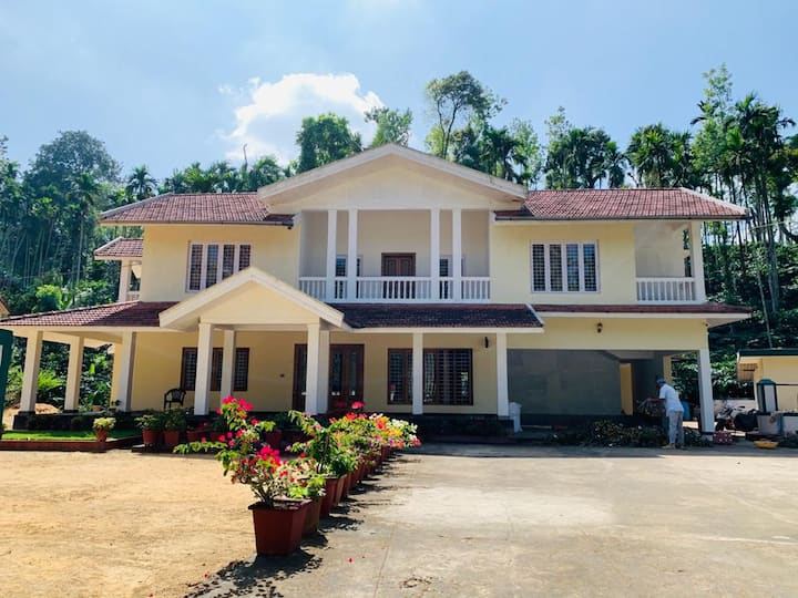 Coorg Family Bungalow stay