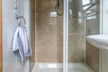 Ensuite, bedroom 2