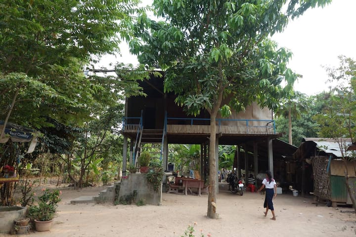 PRIVATE BILL'S NATURAL WOODEN HOUSE - Krong Siem Reap - Casa