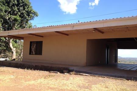 Se alquila casa San Miguelito Punts - Barranca