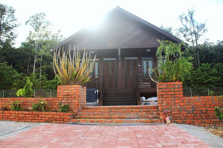Pelamin Garden Homestay & Event Lenggeng,Broga,N.9 - Lenggeng - Xalet
