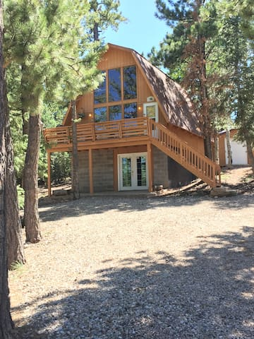 Cozy Cabin, 3 bedrooms close to Zion, Bryce