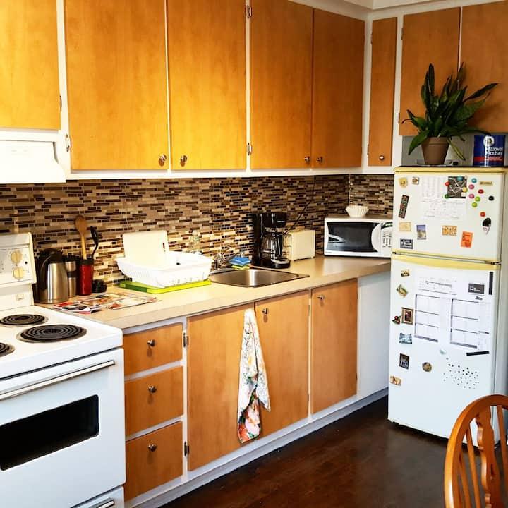 Villeray entire apartment 4 ½ Close to Jarry Park