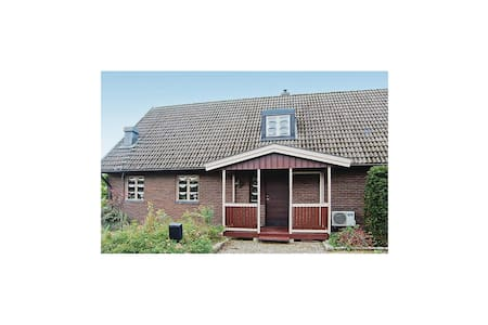 Holiday apartment with 3 bedrooms on 127m² in Haverdal