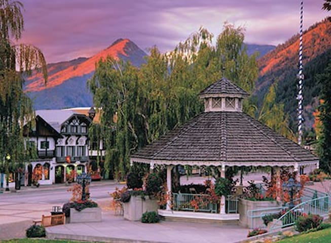 Worldmark Leavenworth Oct18-20 Octberfest Shuttle