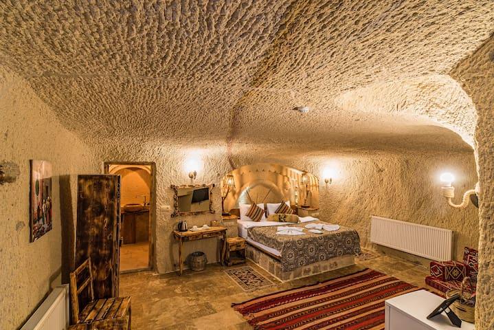 Cappadocia Ennar Cave House Room 2 (Karina)