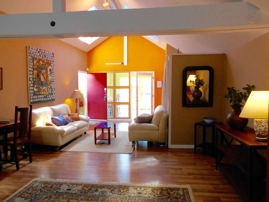 Sunny loft near 4th street berkeley lofts for rent in for Anchalee thai cuisine