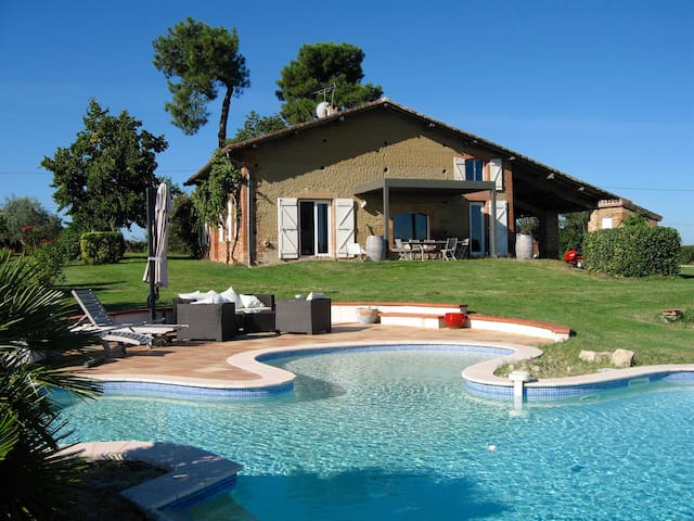 Magnifique ferme rénovée, piscine - Villariès - Casa de camp
