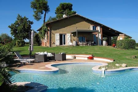 Magnifique ferme rénovée, piscine - Villariès