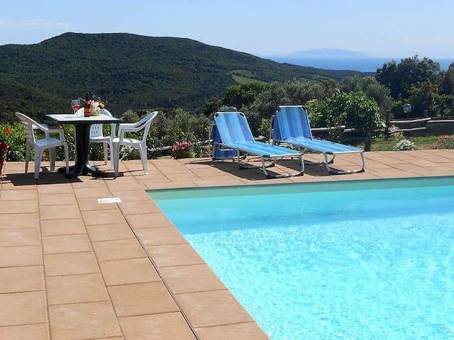 QUADRILOCALE CON PISCINA 7 - Nibbiaia - Semesterboende
