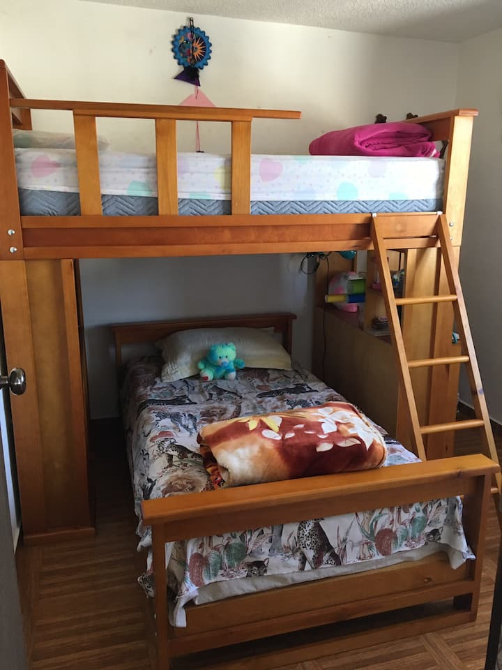 Lindo Cuarto / A Confortable bedroom
