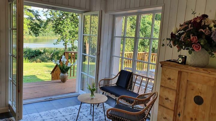 Nasz Dębowiec - piękny dom z widokiem na staw