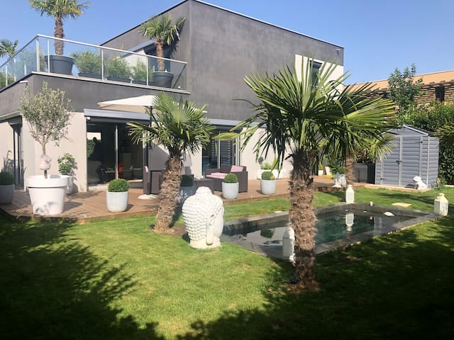 Villa d'architecte avec piscine à Disneyland Paris