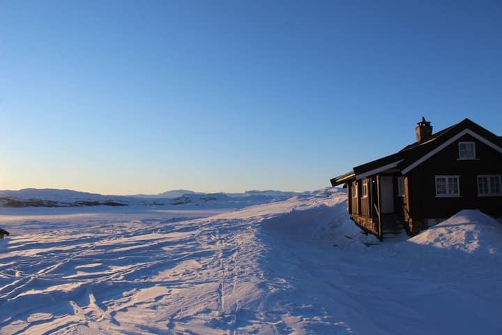 Veslehytta - renovert hytte 1050 moh