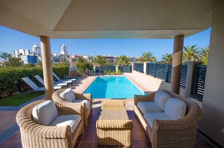 Villa Meloneras with private pool