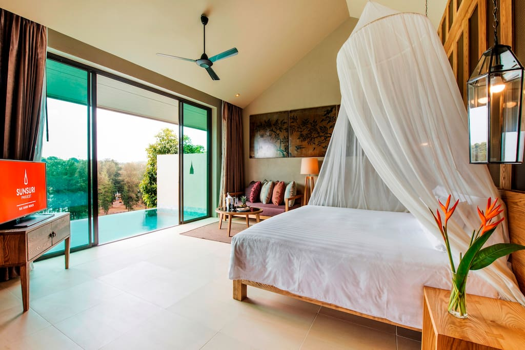 Beautiful Villa with private room and perfect view of Naiharn lake