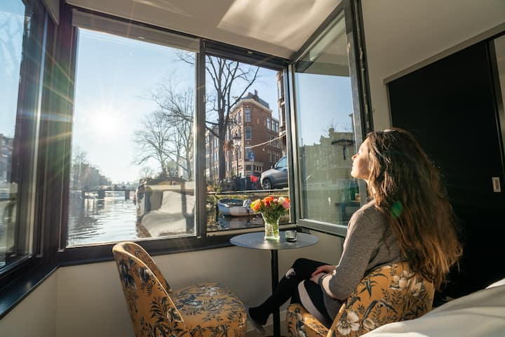 Canal  stay: 2 houseboatsuites on brand new boat