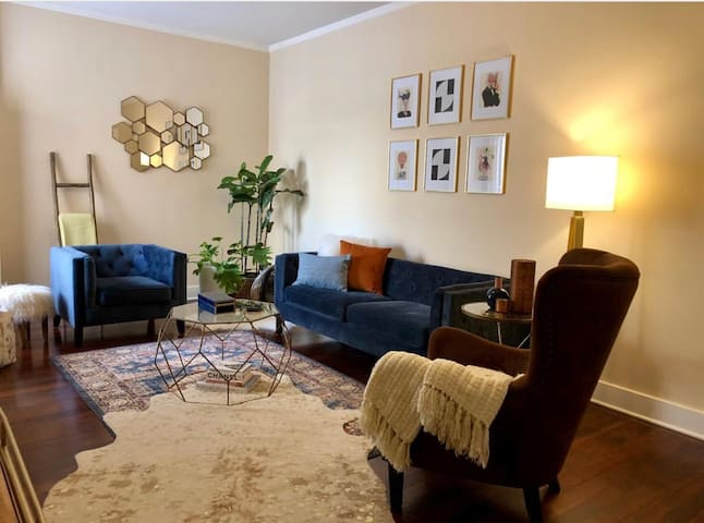 Beautiful flat in heart of Santa Monica *Parking*