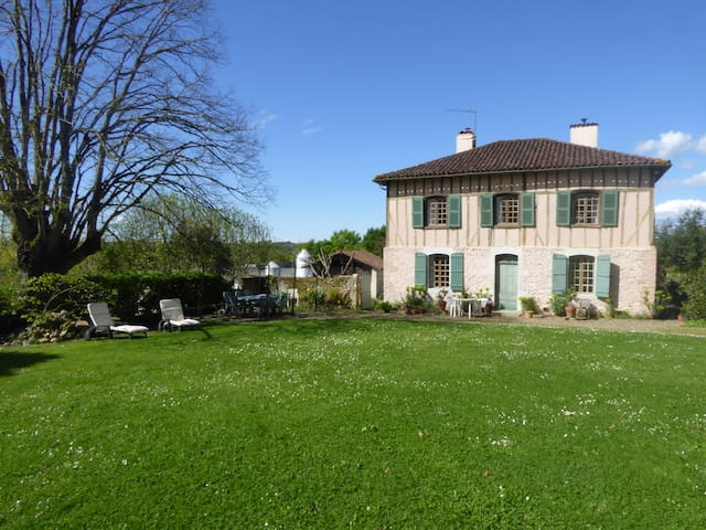 Charming cottage in the countryside - Saint-Sever - Hus