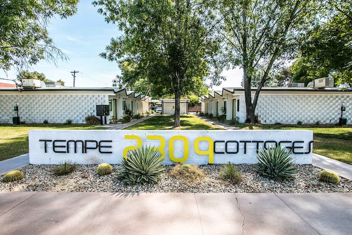 Modern 1BR Cottage with patio near ASU & Mill Ave