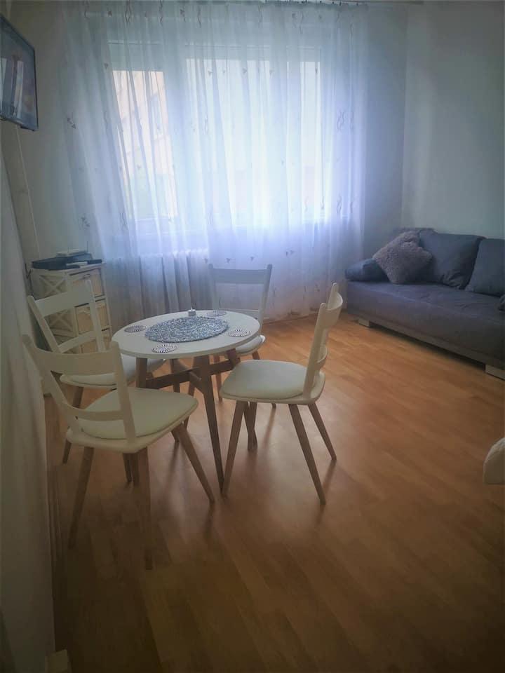 ApartmAndi