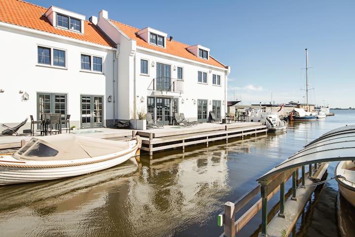 Luxurious Studio in Loosdrecht