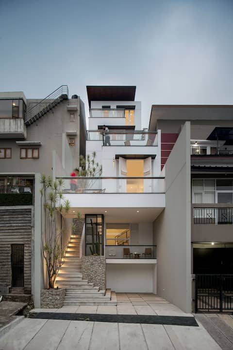 White Cliff House #2; loft+roof terrace on a cliff