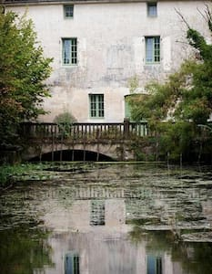 Watermill cottages on River Seugne, Pons,cottage 2