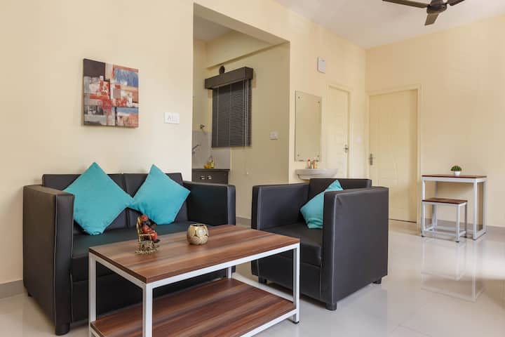 C: Full 1.5BHK for Friends & Family @ BROOKEFIELD