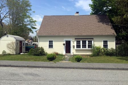 Sweet 3b/2b in Great Downtown Hyannis Location - Barnstable - Haus
