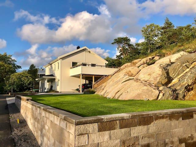 Modern villa close to Gothenburg & the sea