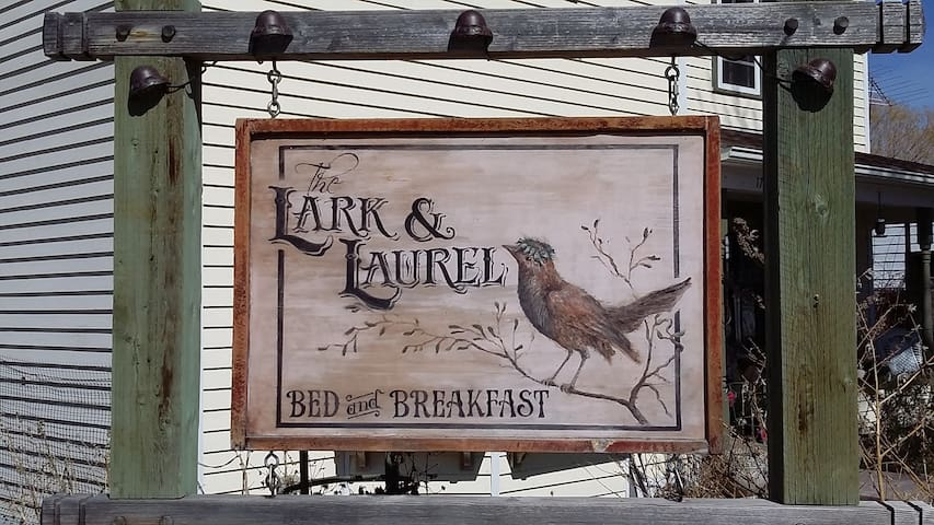 Lark and Laurel Bed and Breakfast - Fort Benton - Guesthouse