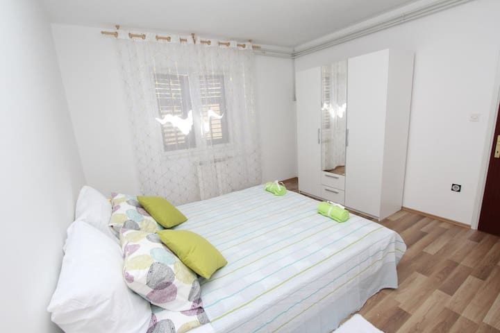 PAULINIC Two-Bedroom Apartment